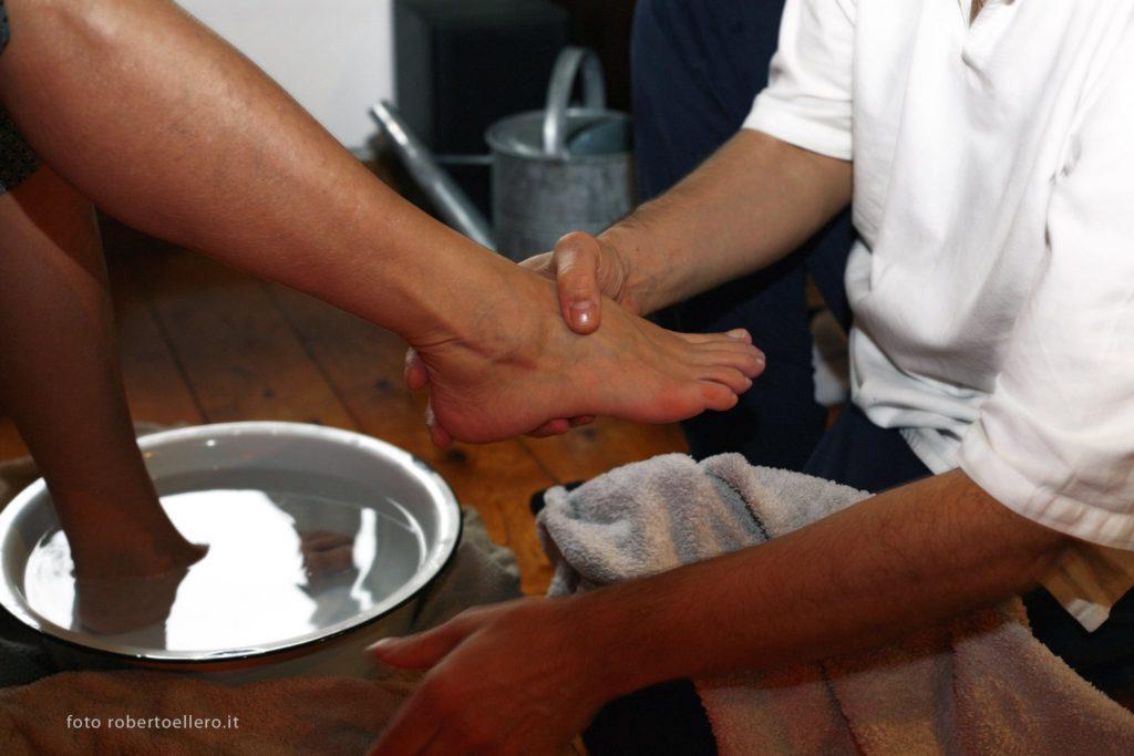 pediluvio per preparare i piedi al trattamento On Zon Su